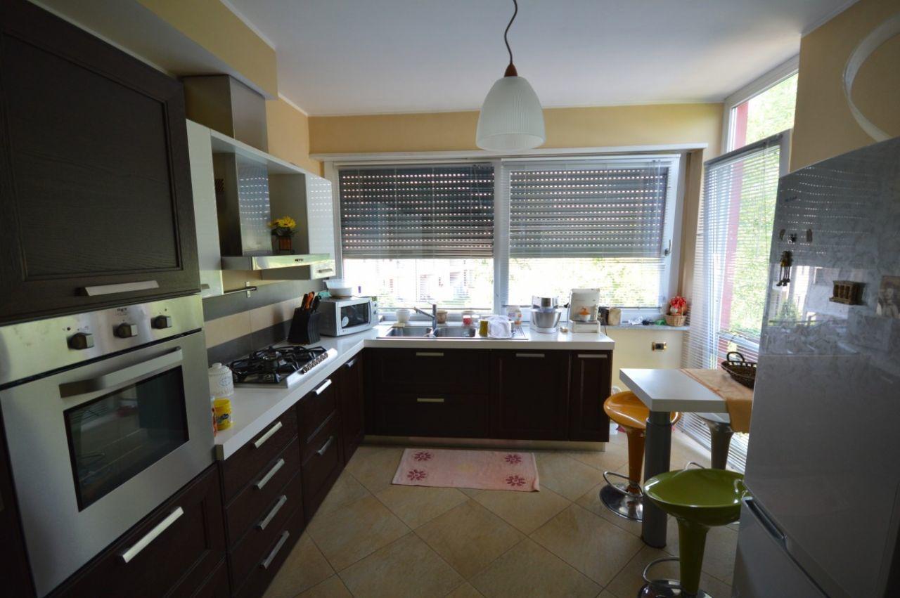 Appartamento duplex in vendita borgomanero annunci vendita for Affitto cabina charlottesville va