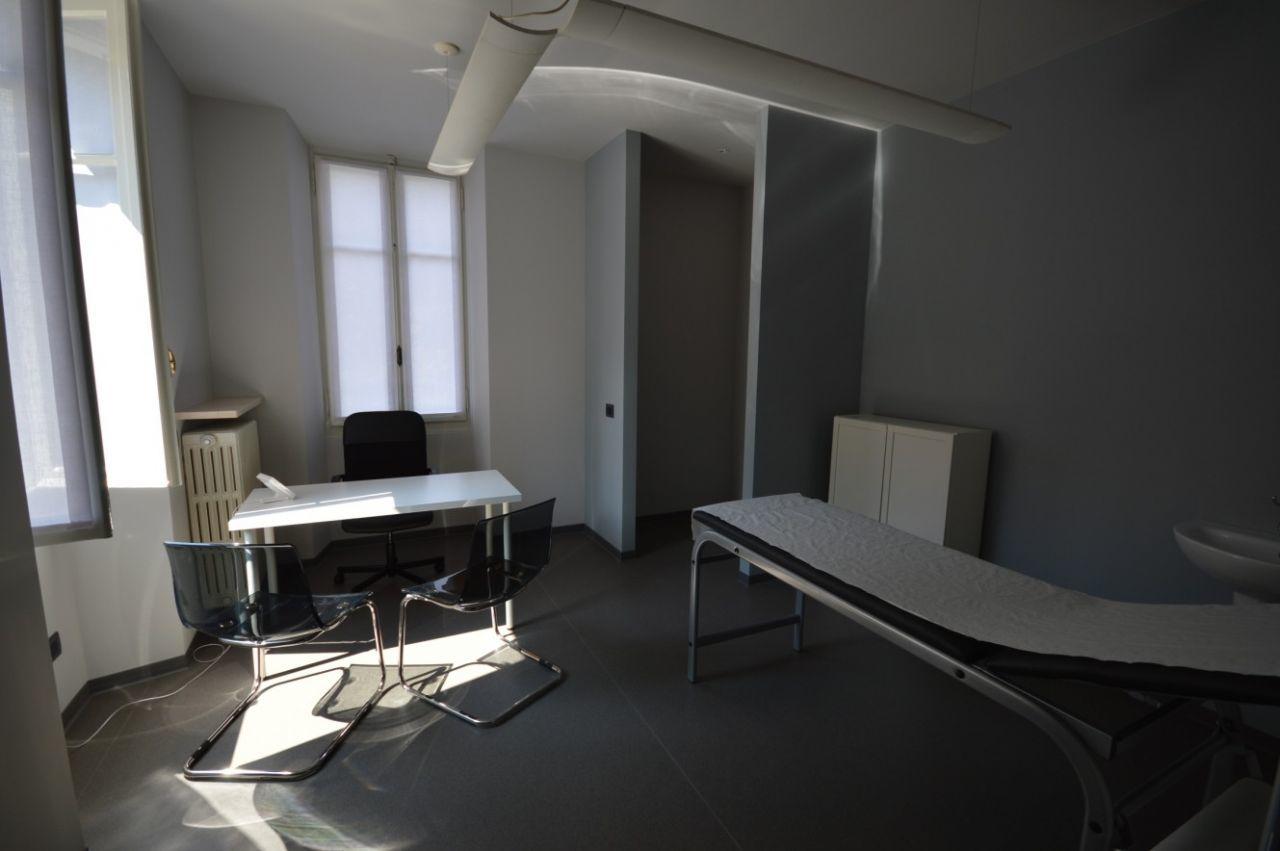 Ufficio in affitto borgomanero annunci vendita e affitto for Negozi arredamento piemonte