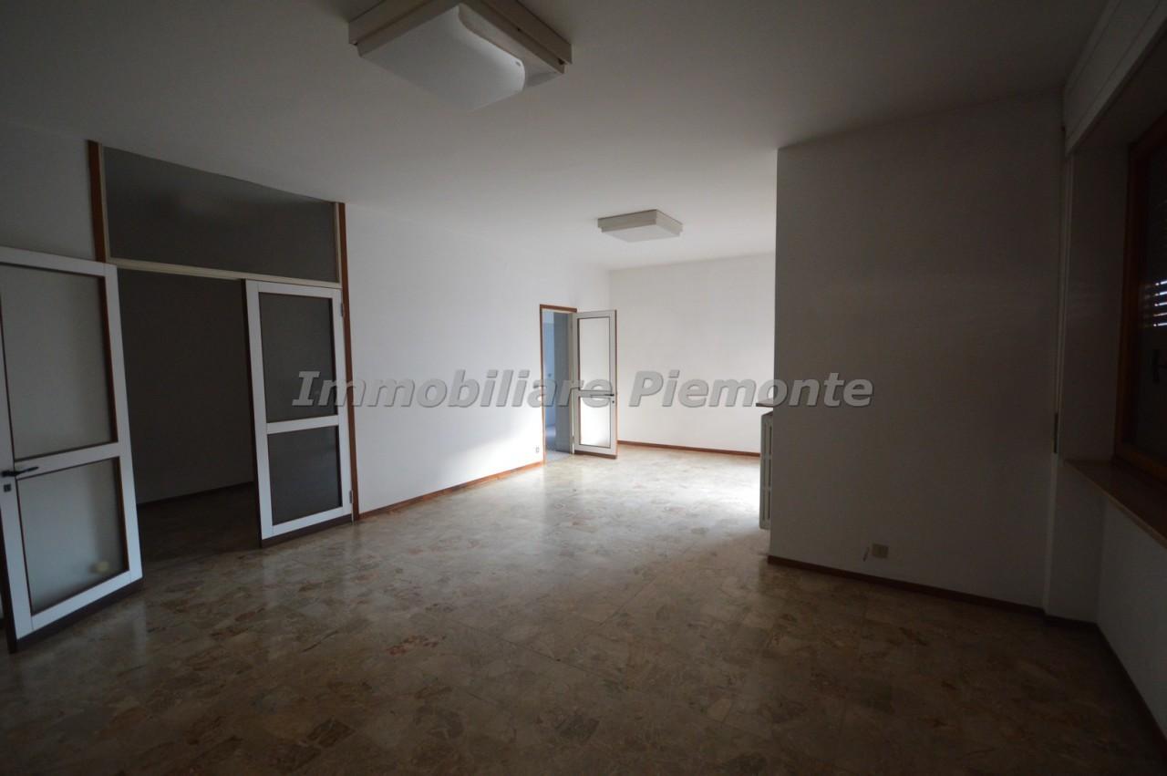 Appartamento trilocale in affitto borgomanero annunci for Negozi arredamento piemonte