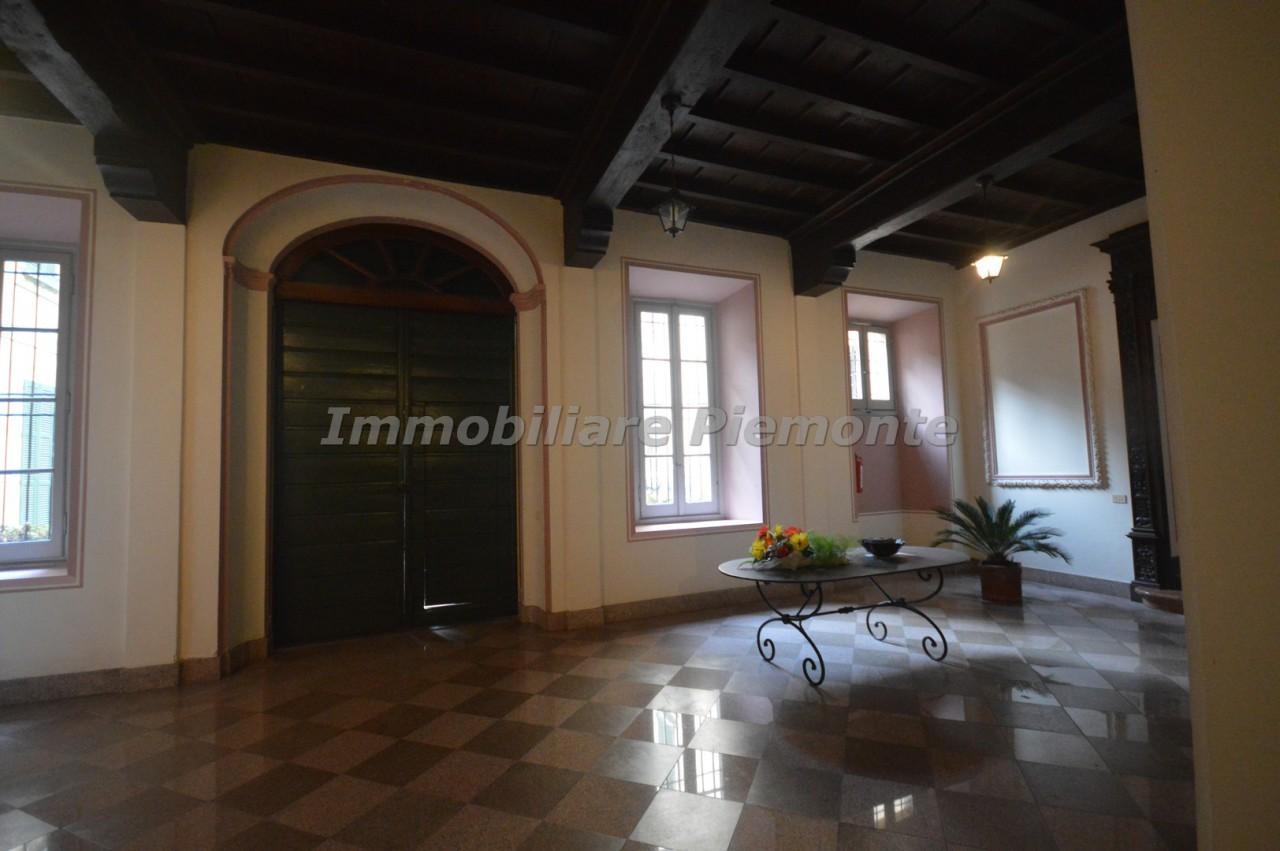 Appartamento bilocale in vendita belgirate annunci vendita for Negozi arredamento piemonte