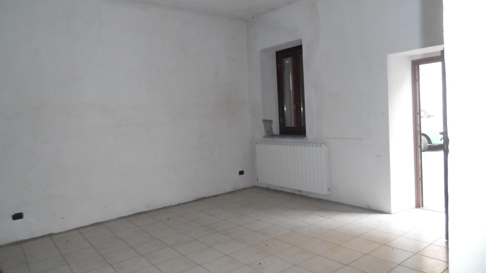 Appartamento bilocale in vendita ghemme annunci vendita e for Negozi arredamento piemonte