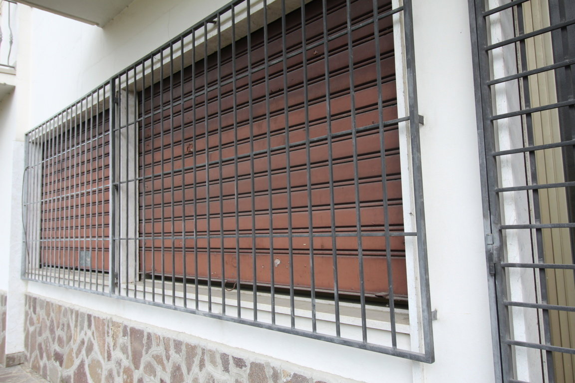 Capannone fondo laboratorio in affitto trissino annunci for Case in stile capannone