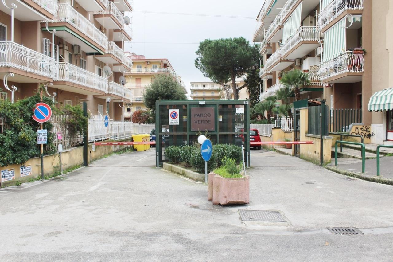 Appartamento trilocale in vendita napoli pianura annunci for Case in vendita pianura napoli