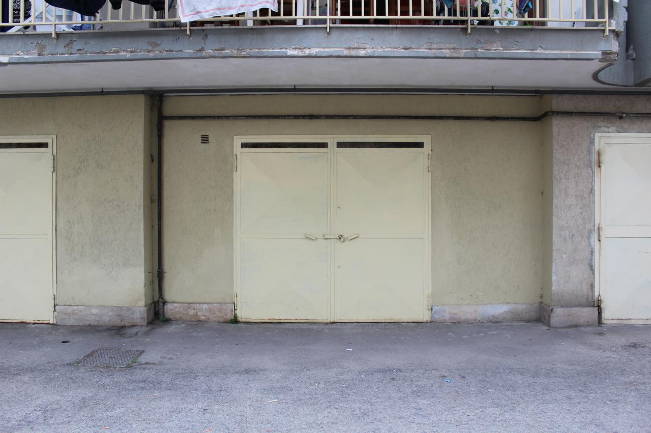 Garage posto auto triplo in vendita quarto annunci for Case in vendita quarto napoli