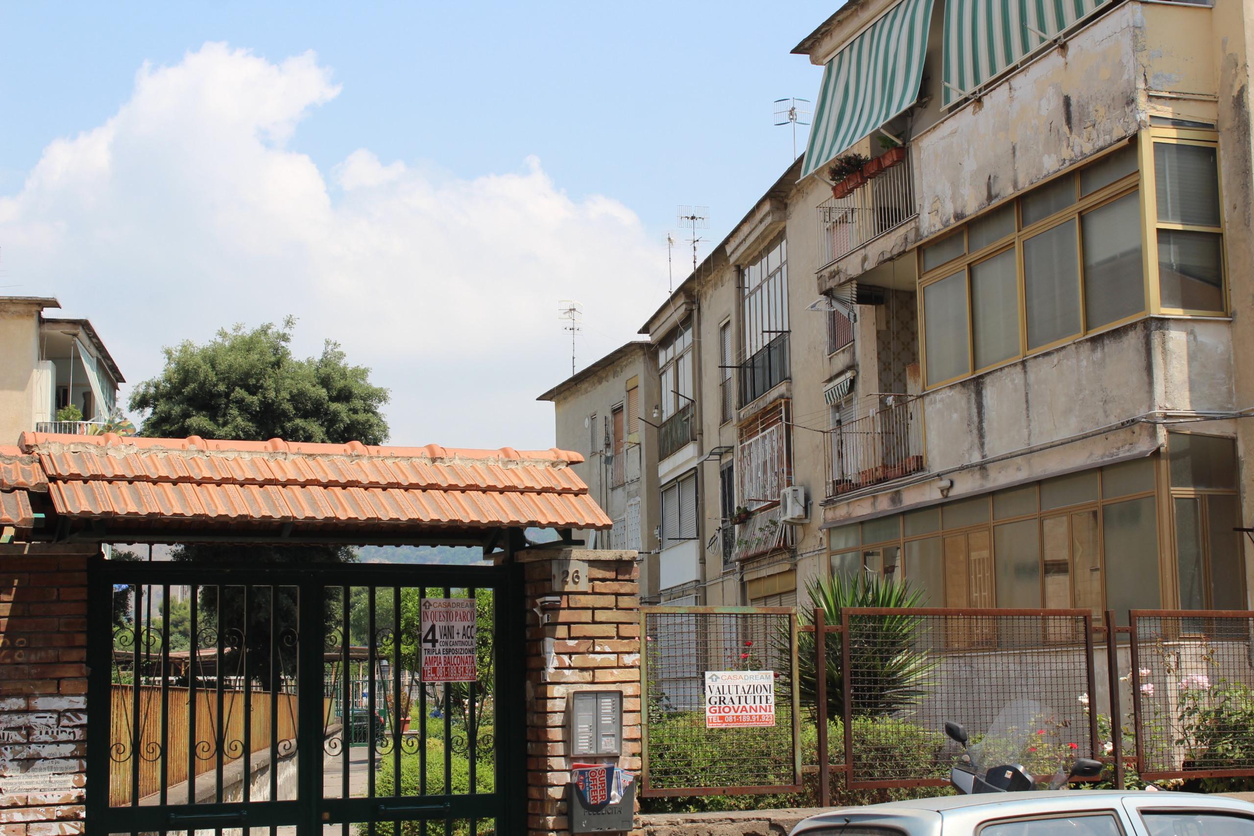 appartamento quadrilocale in vendita napoli fuorigrotta