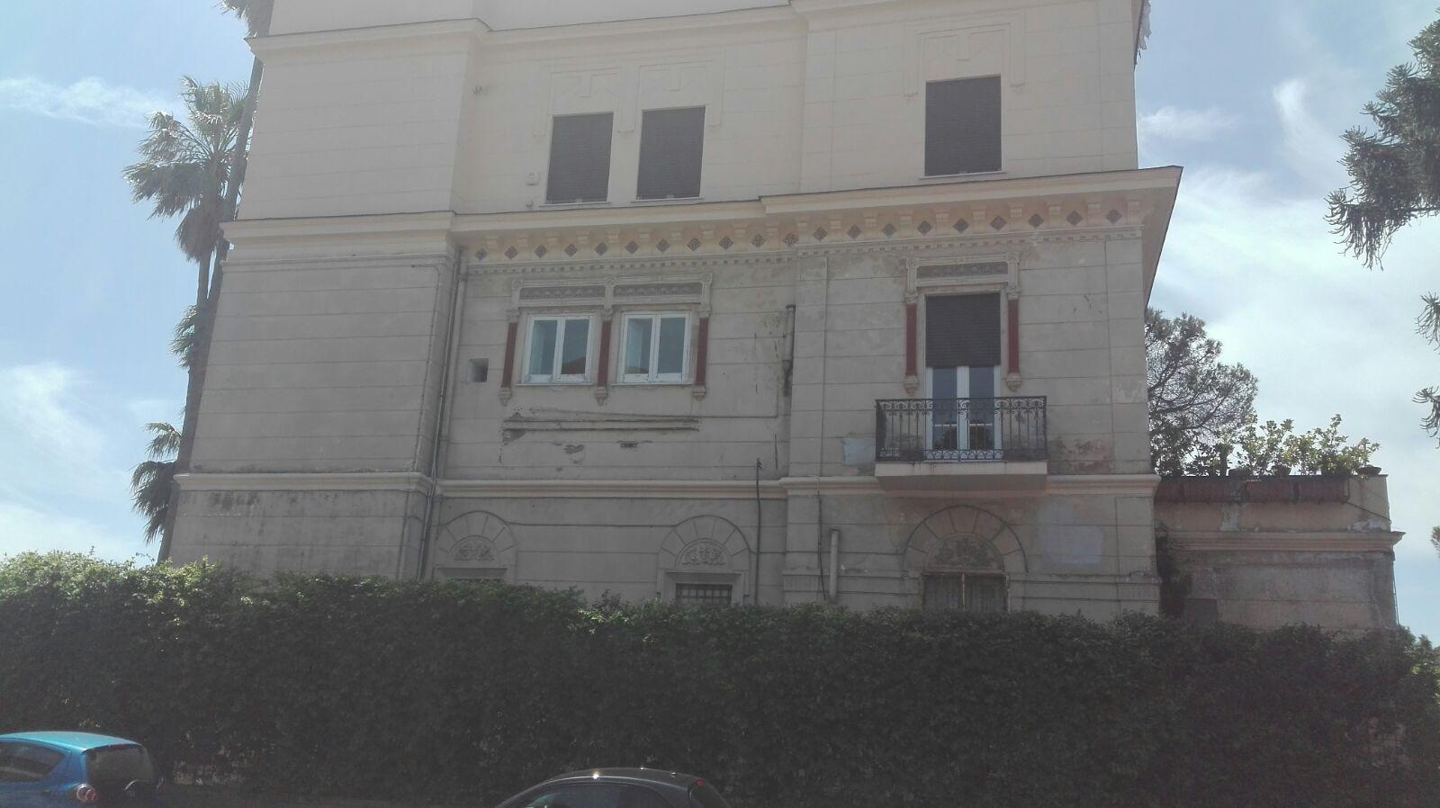 Innovazione immobiliare srl for Casa artigiana piani 3 box auto