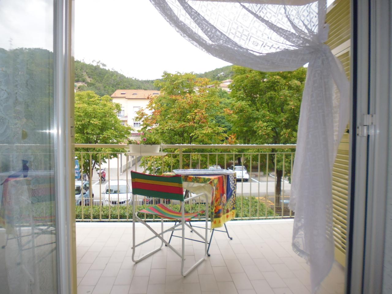 Appartamento in vendita a Casarza Ligure, 6 locali, prezzo € 175.000 | CambioCasa.it