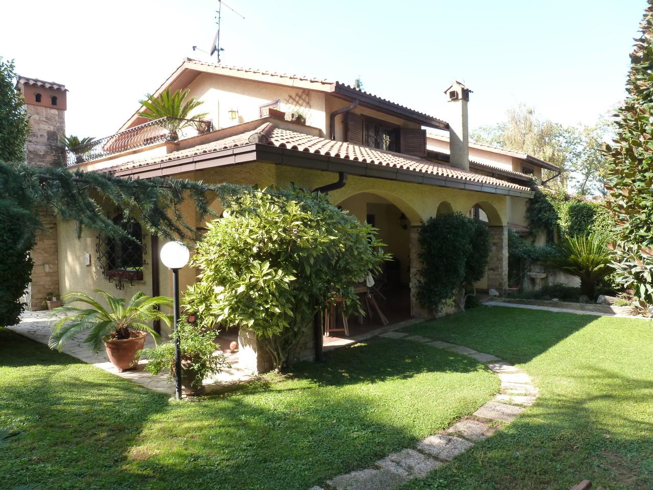 Villetta a schiera in buone condizioni in vendita Rif. 6326505
