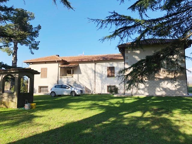 Villa in vendita a Palestrina, 6 locali, prezzo € 299.000 | CambioCasa.it