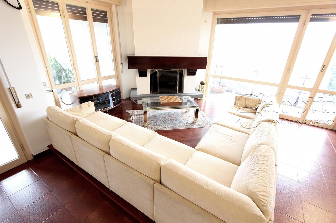 Appartamento da ristrutturare in vendita Rif. 7119717