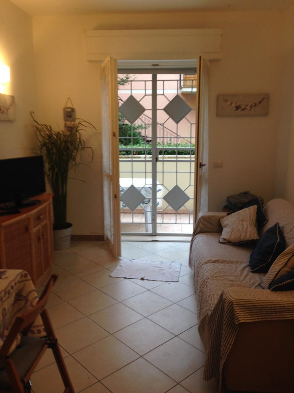 Appartamento ristrutturato arredato in vendita Rif. 10106628
