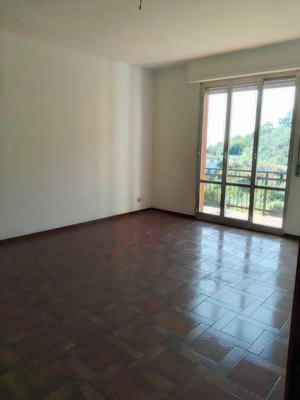 Appartamento in discrete condizioni in vendita Rif. 11487187