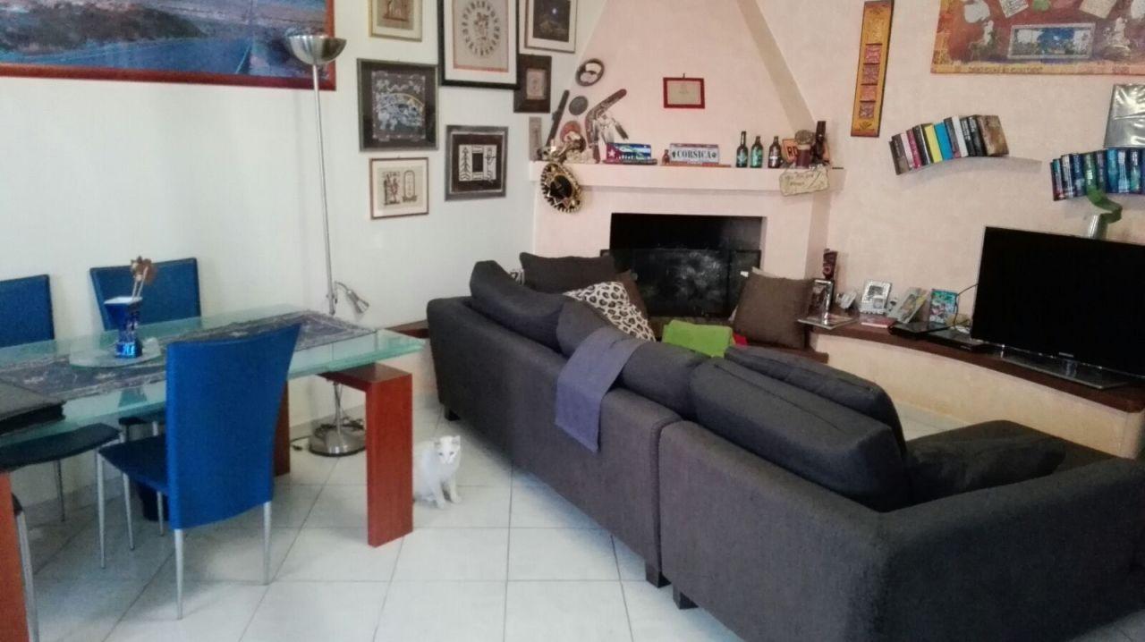 Appartamento arredato in vendita Rif. 9707057