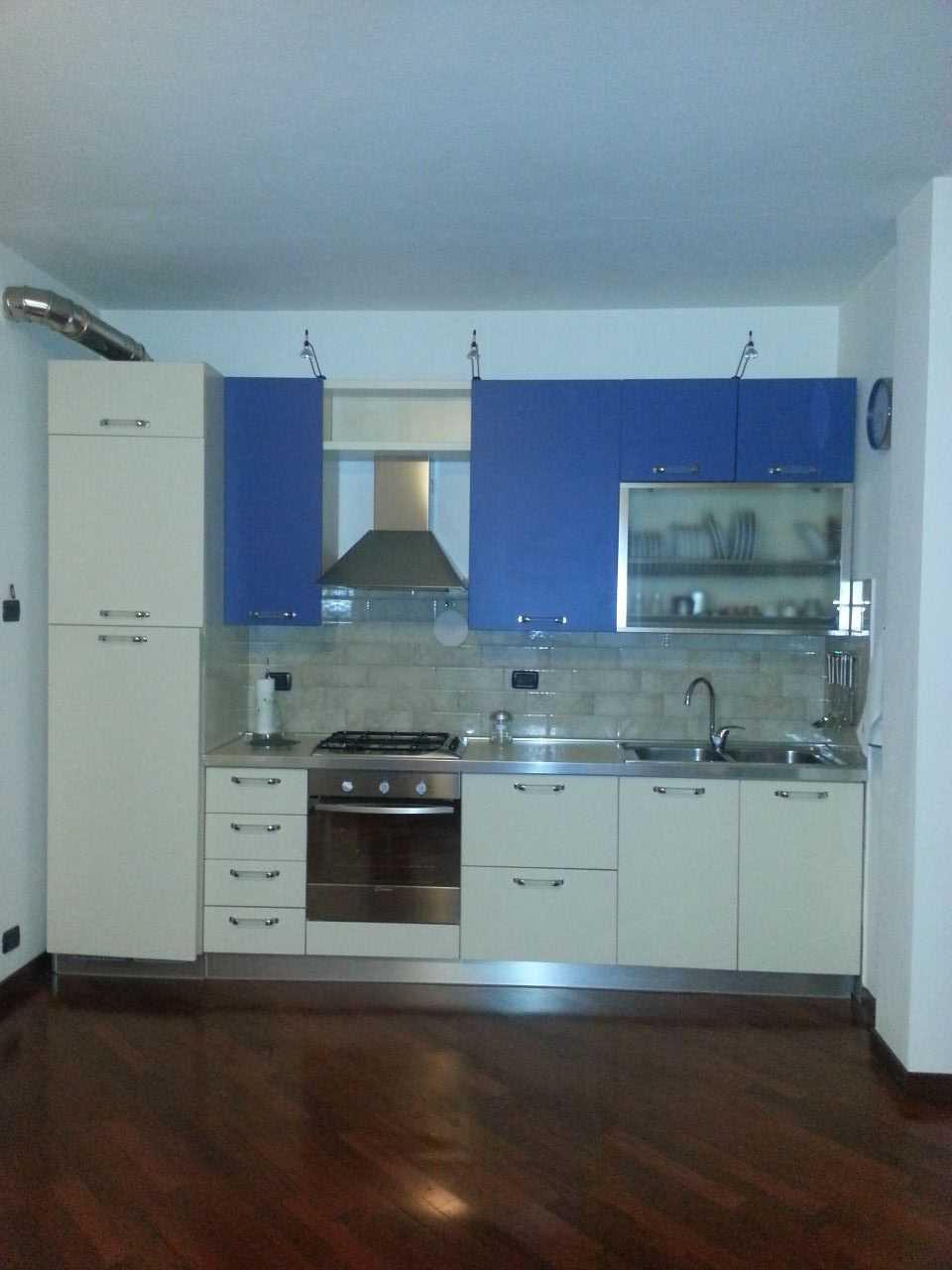 Bilocale in buone condizioni arredato in affitto Rif. 4158708