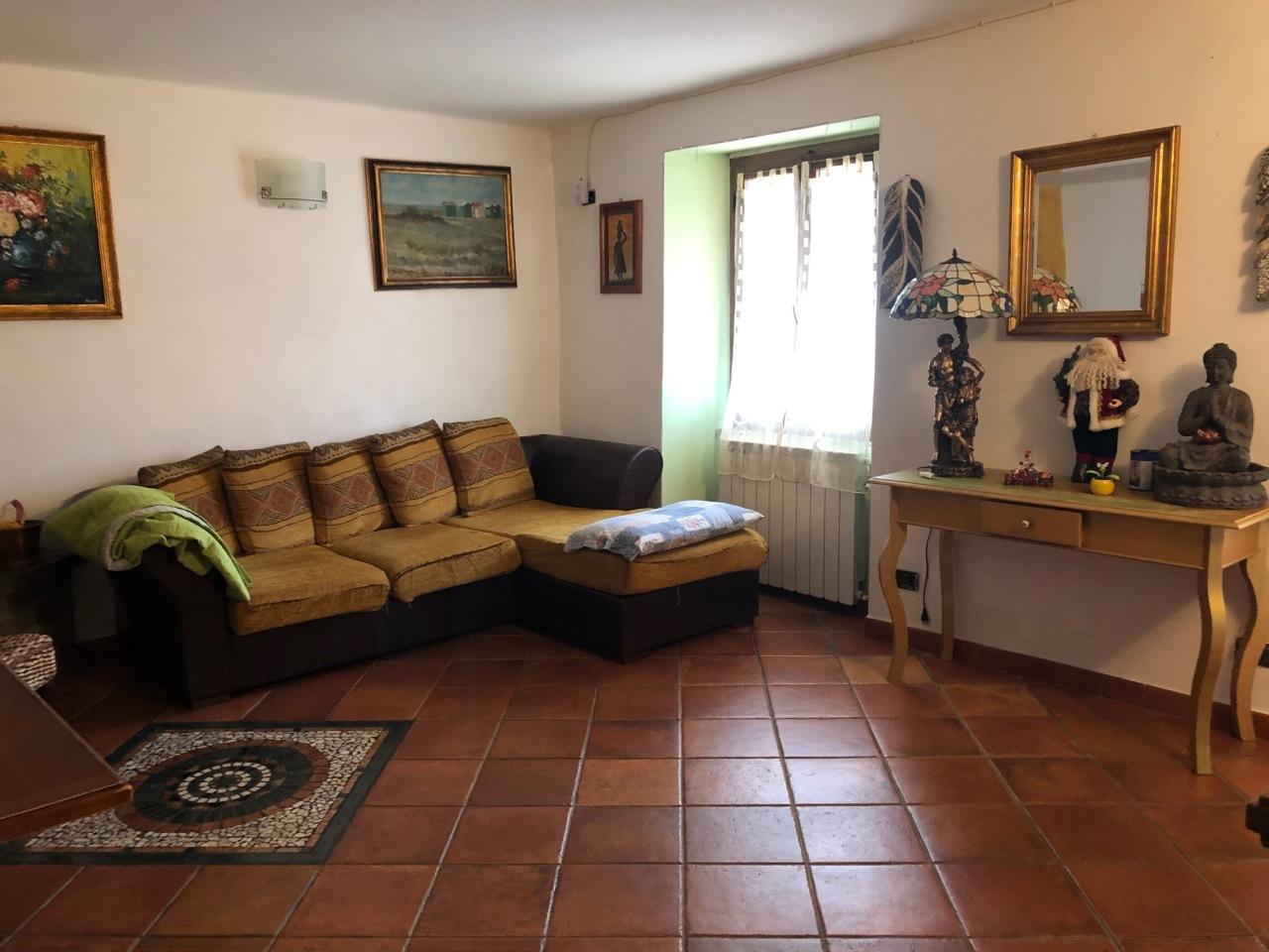Casa Indipendente in buone condizioni arredato in affitto Rif. 9051852