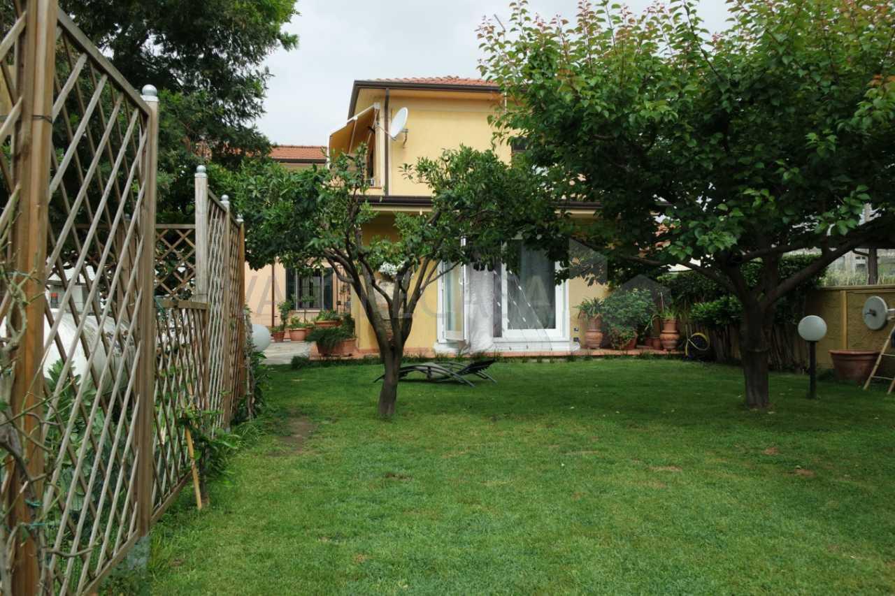 Porzione di casa in ottime condizioni in vendita Rif. 8908451