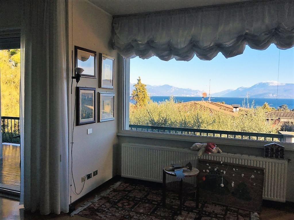 Villetta a schiera in buone condizioni in vendita Rif. 4147441