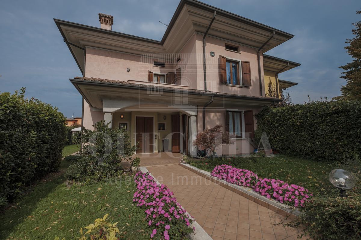 Villetta a schiera in ottime condizioni in vendita Rif. 7856108
