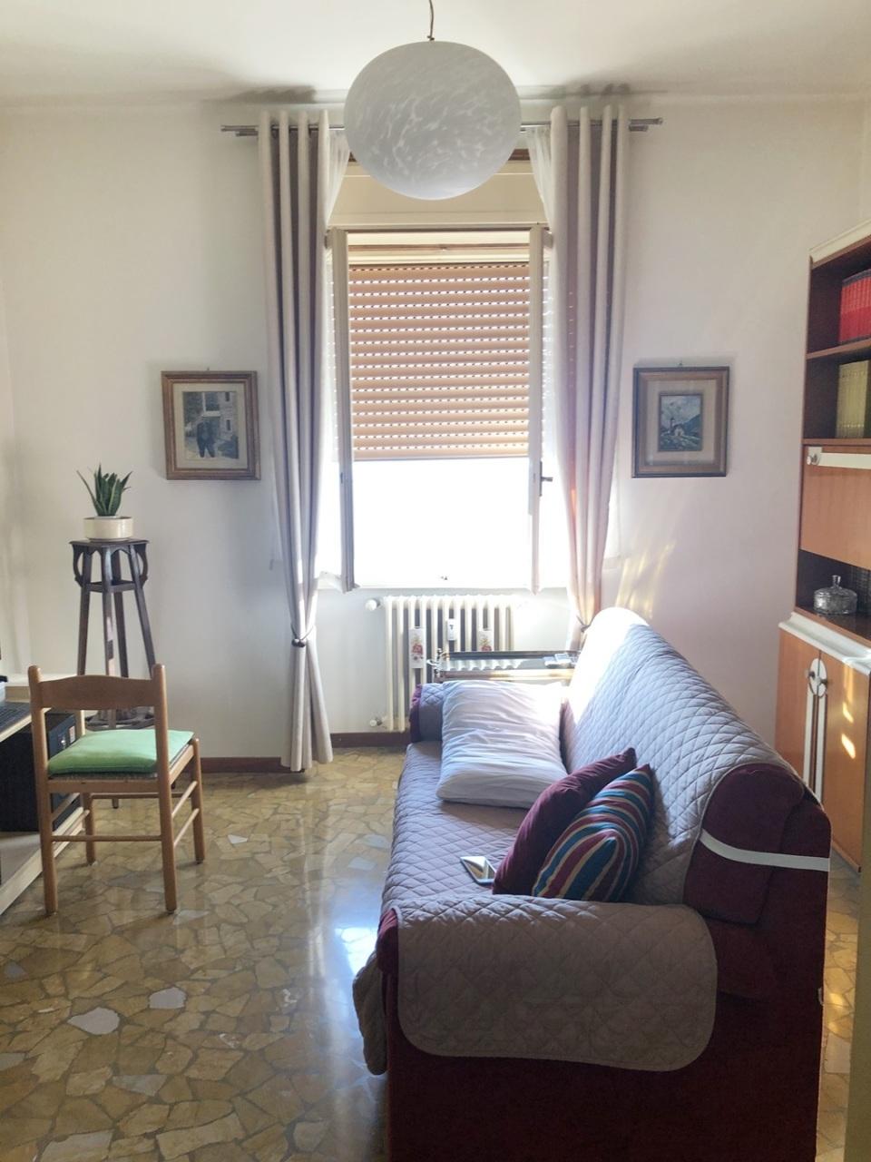 Bilocale in buone condizioni in affitto Rif. 12143083
