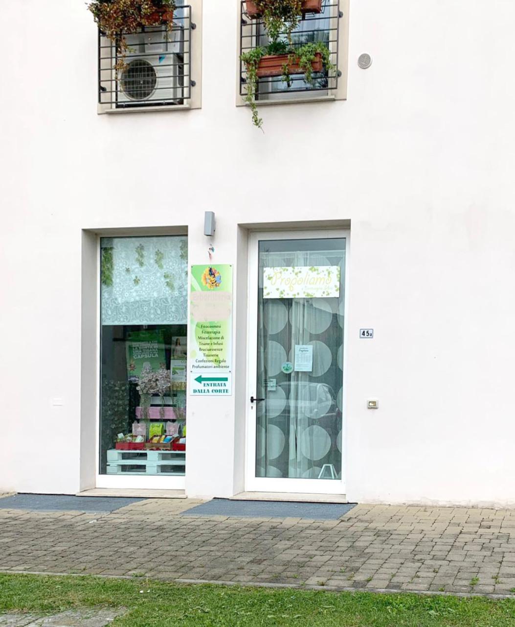 Locale commerciale - Oltre 3 vetrine a Azzano Mella Rif. 10275055