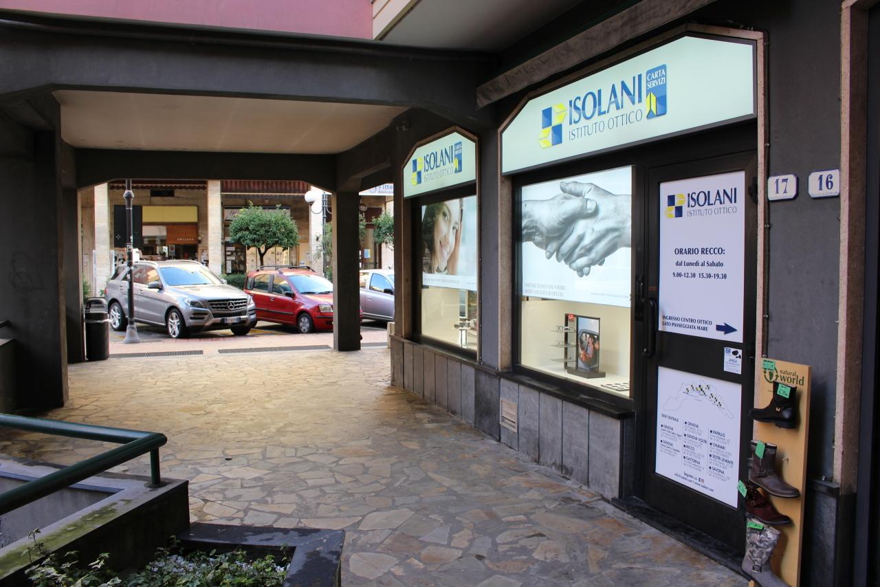 Negozio / Locale in affitto a Recco, 1 locali, prezzo € 1.900   CambioCasa.it