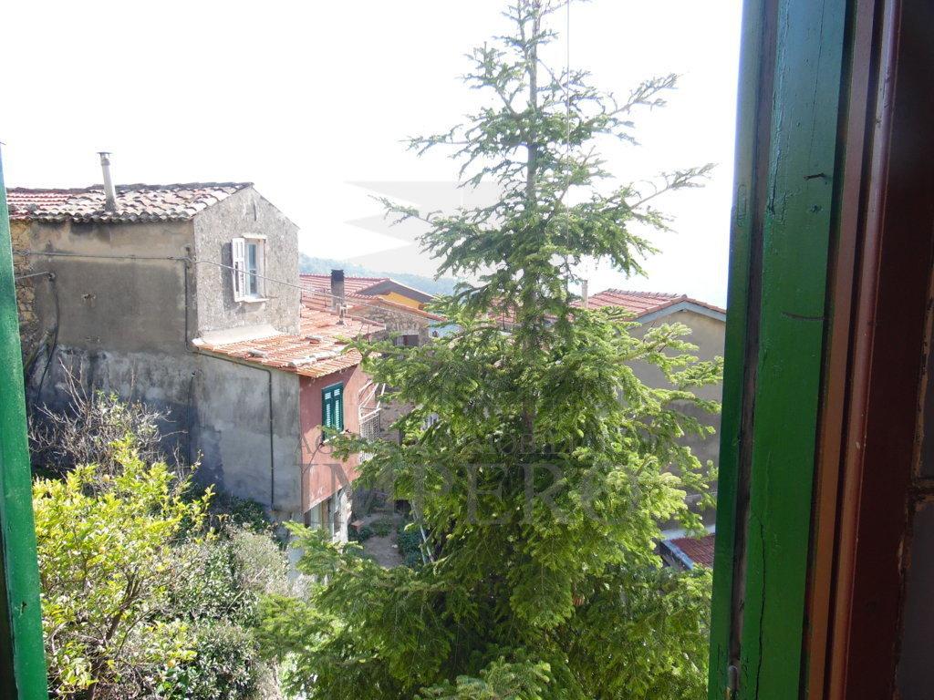 Indipendente - Singola a Calandri, Ventimiglia