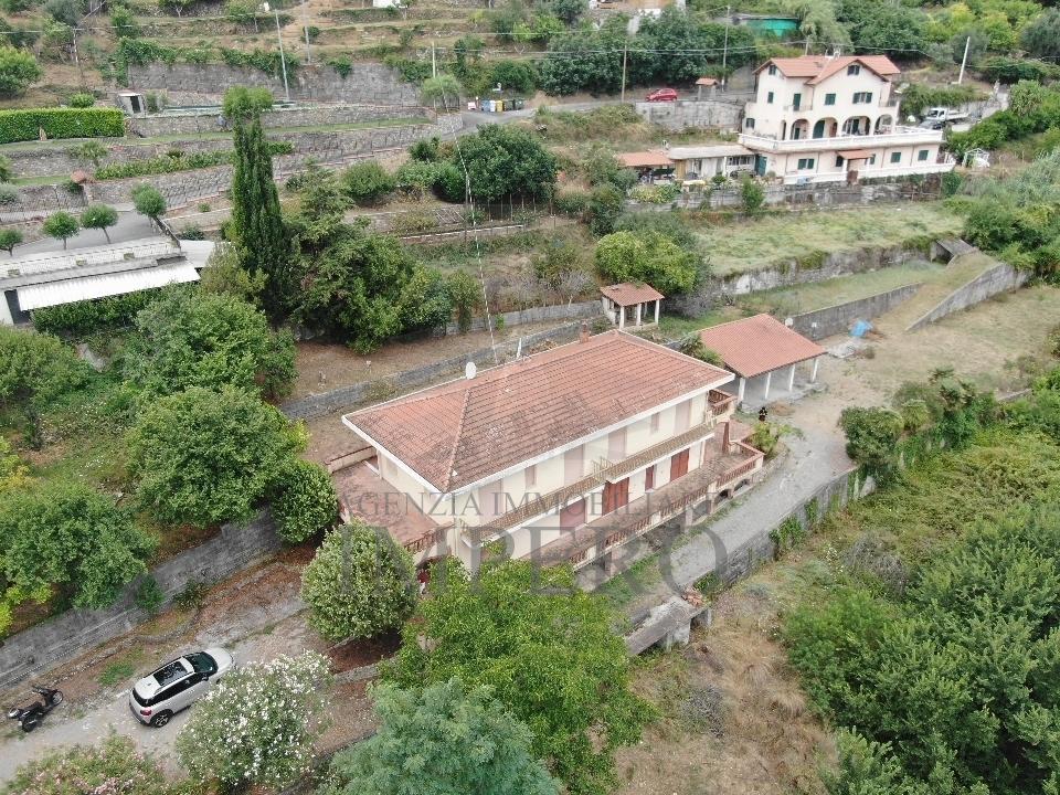 Casa - Indipendente a Latte, Ventimiglia