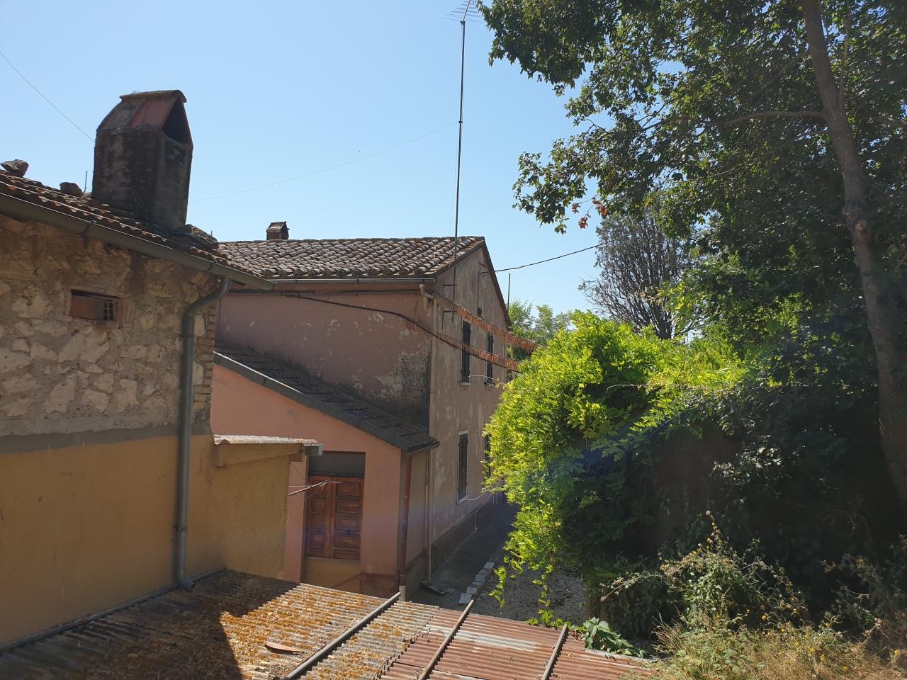 Casa Indipendente in buone condizioni in vendita Rif. 11237993