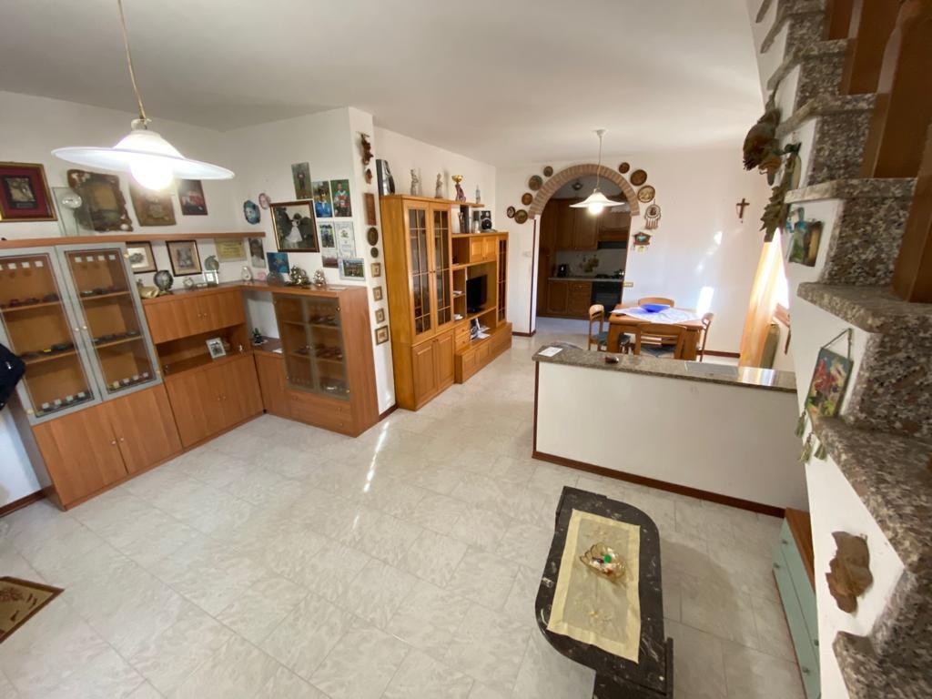 Porzione di casa in vendita Rif. 12373020