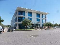 Ufficio in Affitto a Frascati, 2'000€, 110 m²