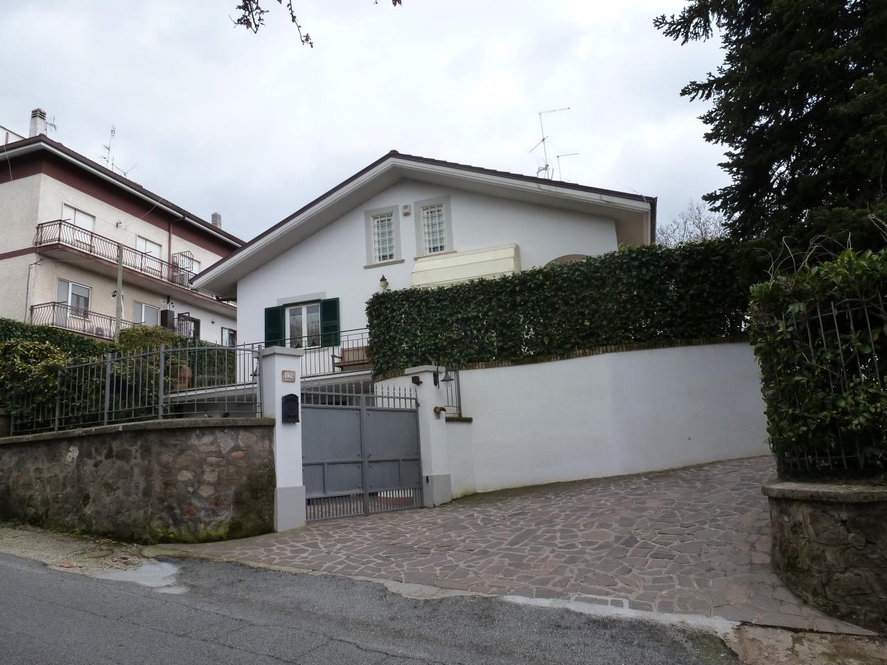 Villetta a schiera in ottime condizioni in vendita Rif. 9446187
