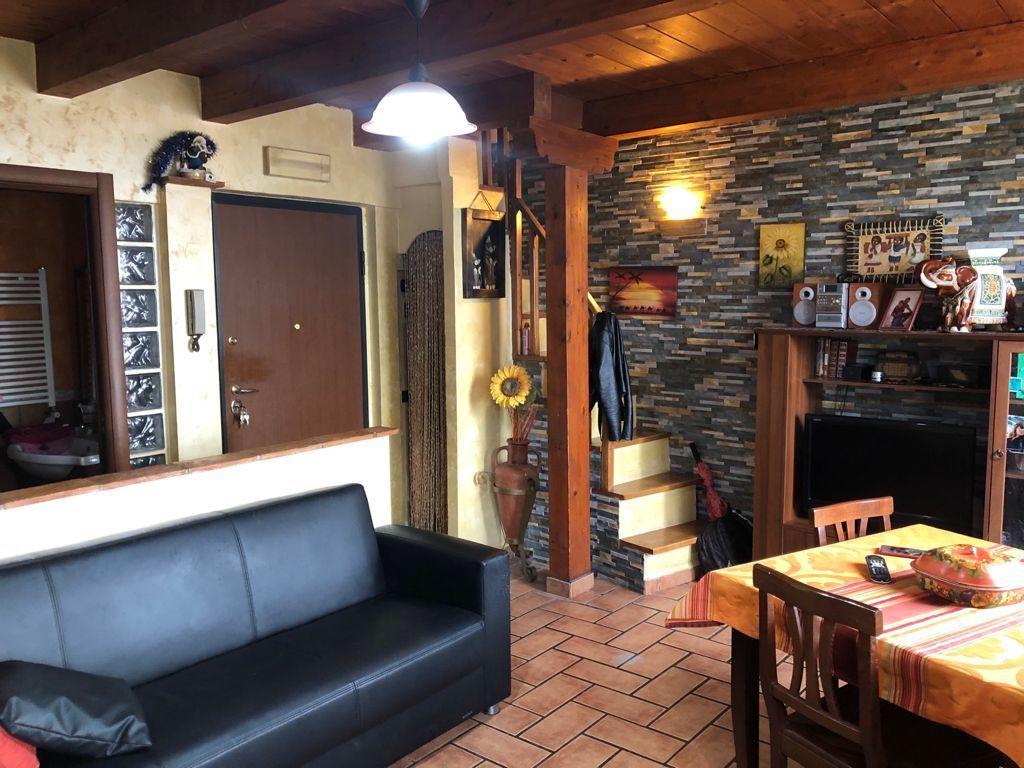 Appartamento in vendita a Palestrina, 3 locali, prezzo € 59.000 | CambioCasa.it