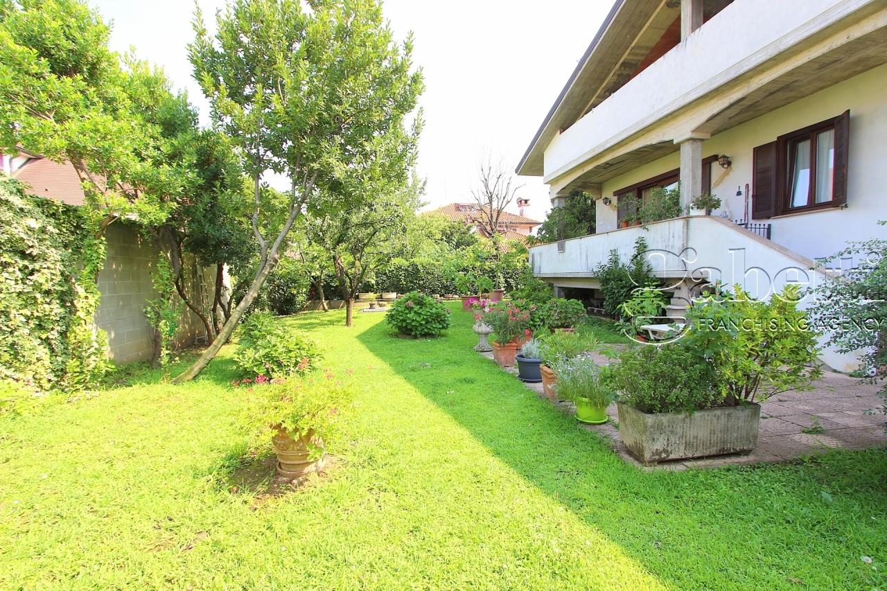 Villa in vendita a Pogliano Milanese, 4 locali, prezzo € 430.000   PortaleAgenzieImmobiliari.it