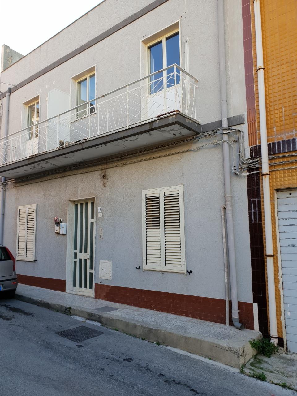 Casa Indipendente in discrete condizioni in vendita Rif. 9644723