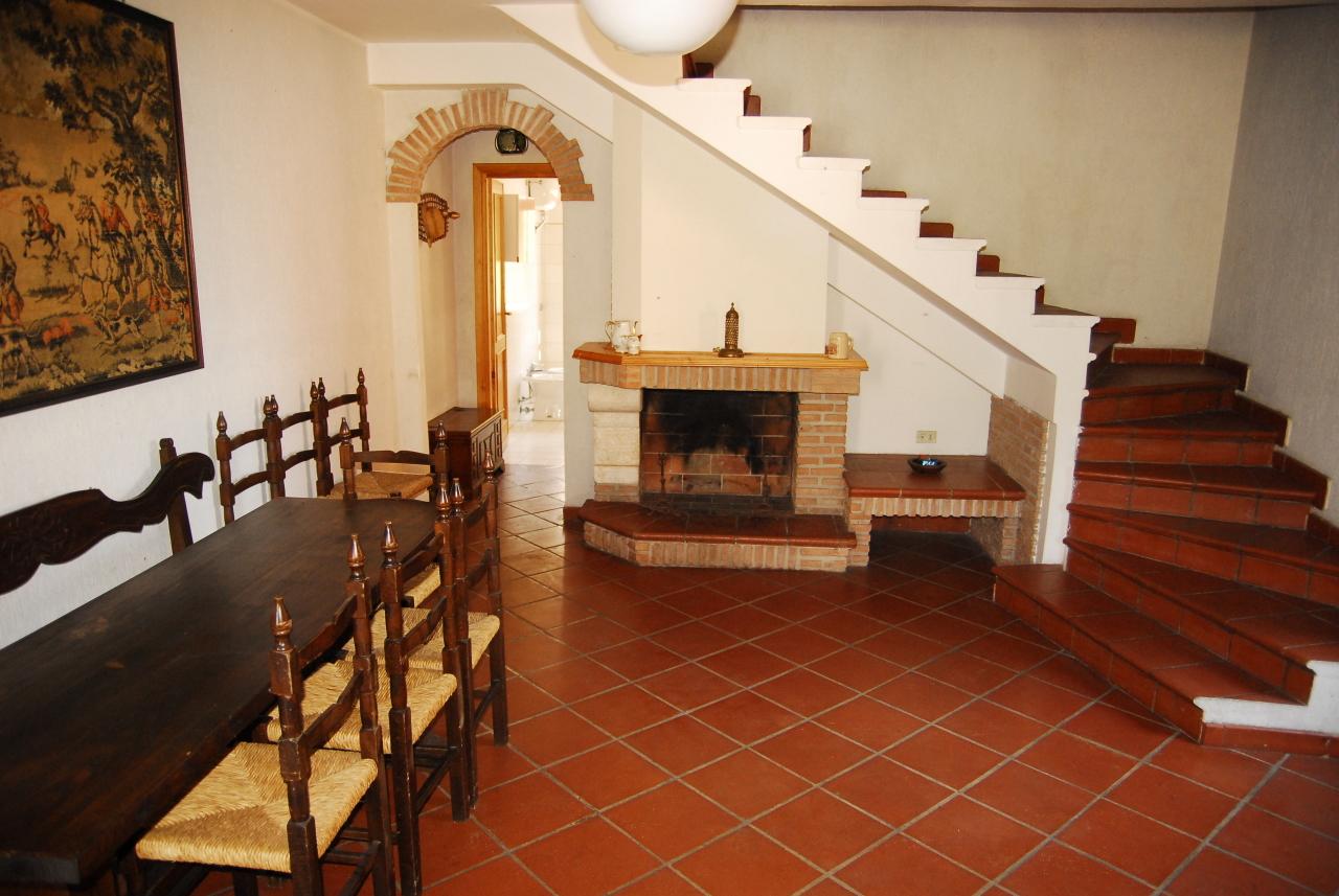 Casa Indipendente in buone condizioni in vendita Rif. 10491933