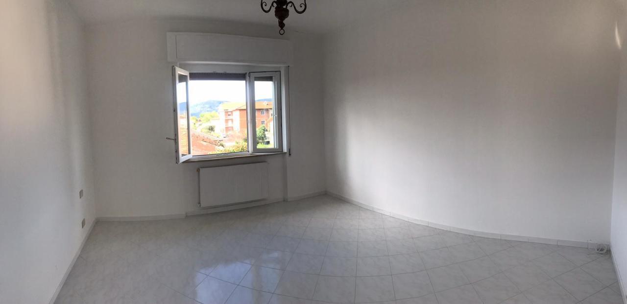 Appartamento in affitto a Castelnuovo Magra, 3 locali, prezzo € 500   PortaleAgenzieImmobiliari.it