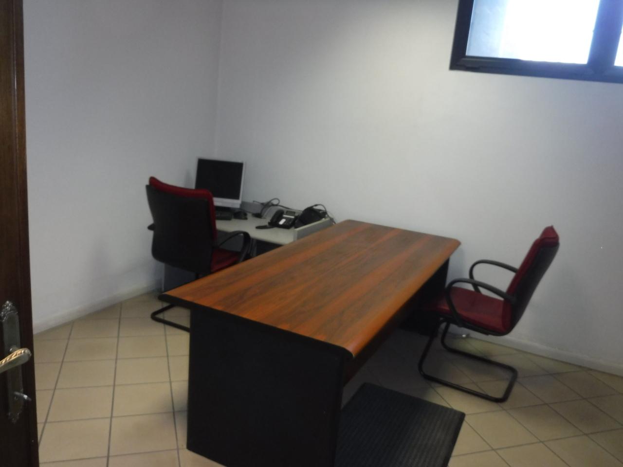 Ufficio / Studio in affitto a Castelnuovo Magra, 10 locali, prezzo € 1.600 | PortaleAgenzieImmobiliari.it