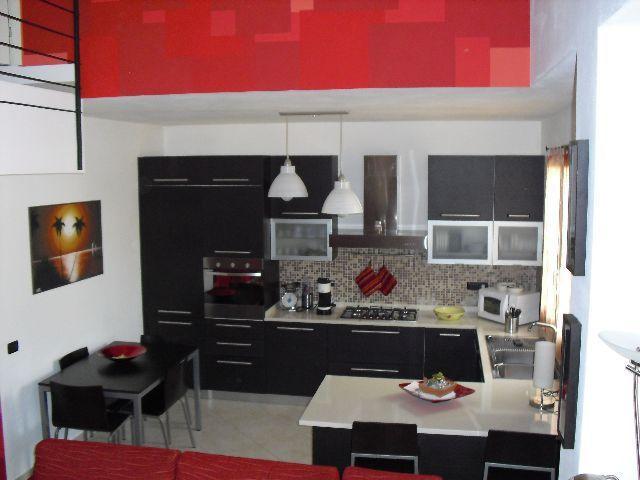Appartamento in ottime condizioni in vendita Rif. 9116374