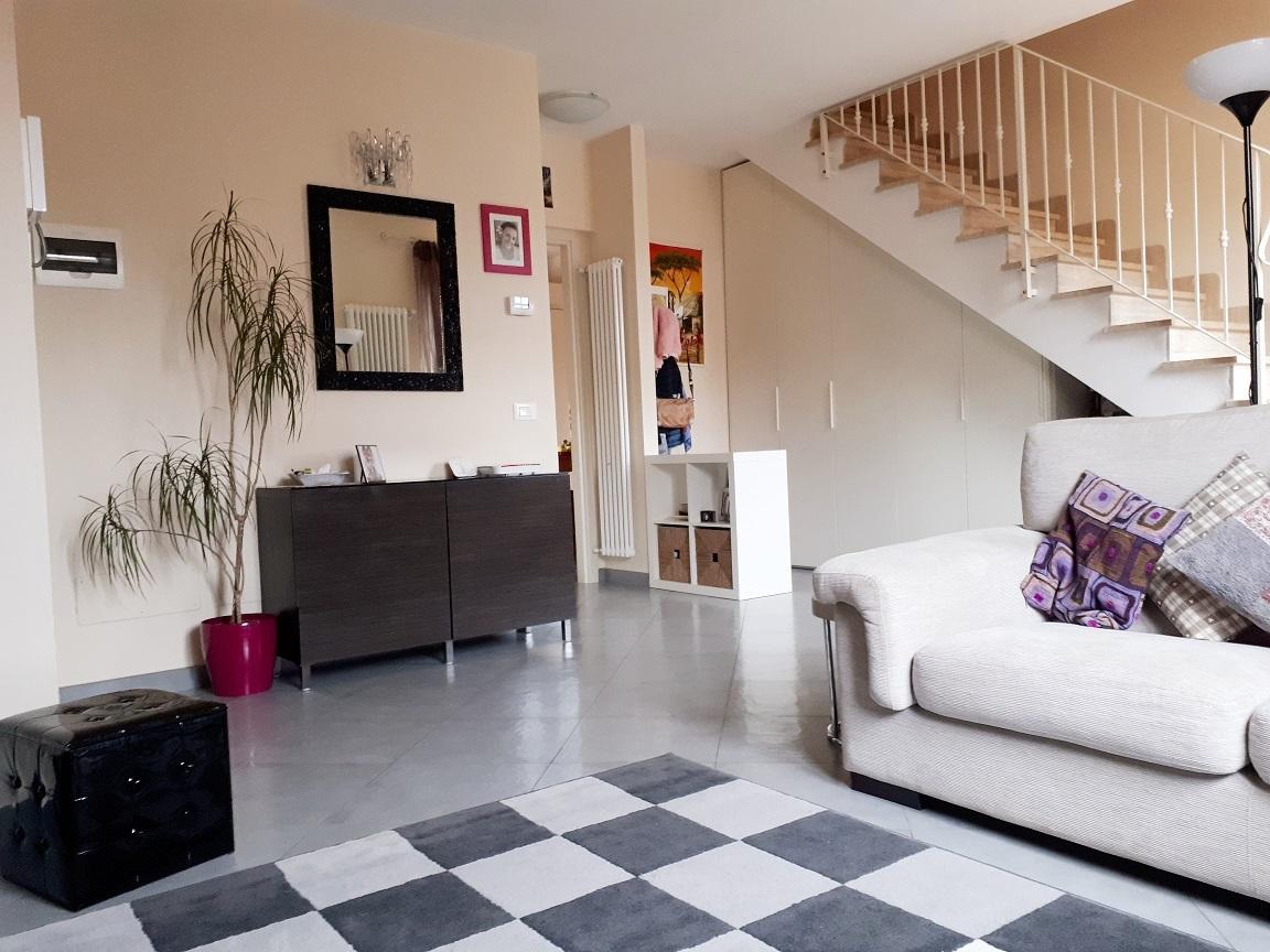 Appartamento in ottime condizioni in vendita Rif. 9095947