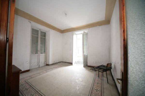 Appartamento in vendita a La Spezia, 3 locali, prezzo € 130.000   CambioCasa.it