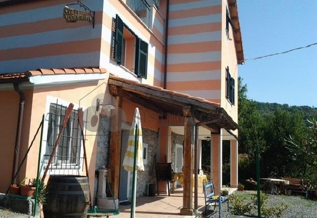Vendita Indipendente Bifamiliare a Calice al Cornoviglio,  (SP) - F247