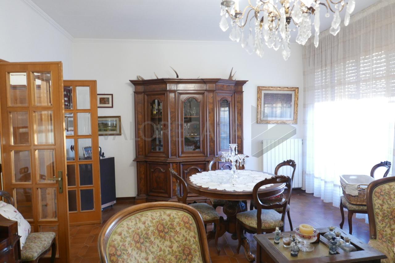 Appartamento - Quadrilocale a Bonascola, Carrara