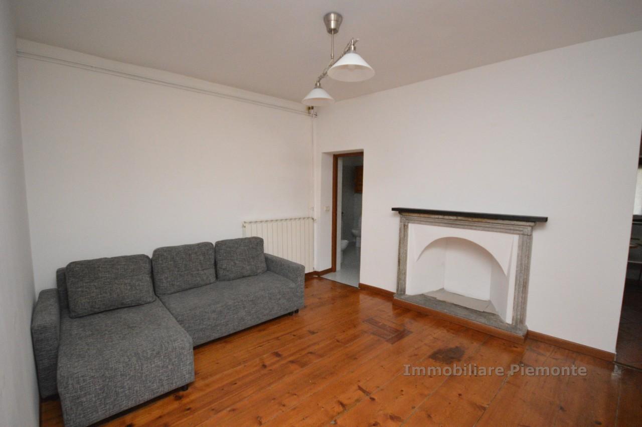 Appartamento in affitto a Gattico, 2 locali, prezzo € 380 | CambioCasa.it