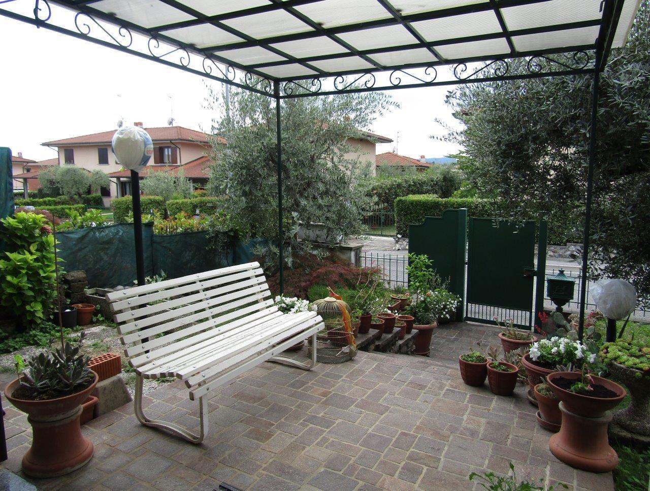 Villetta a schiera in buone condizioni in vendita Rif. 4147410