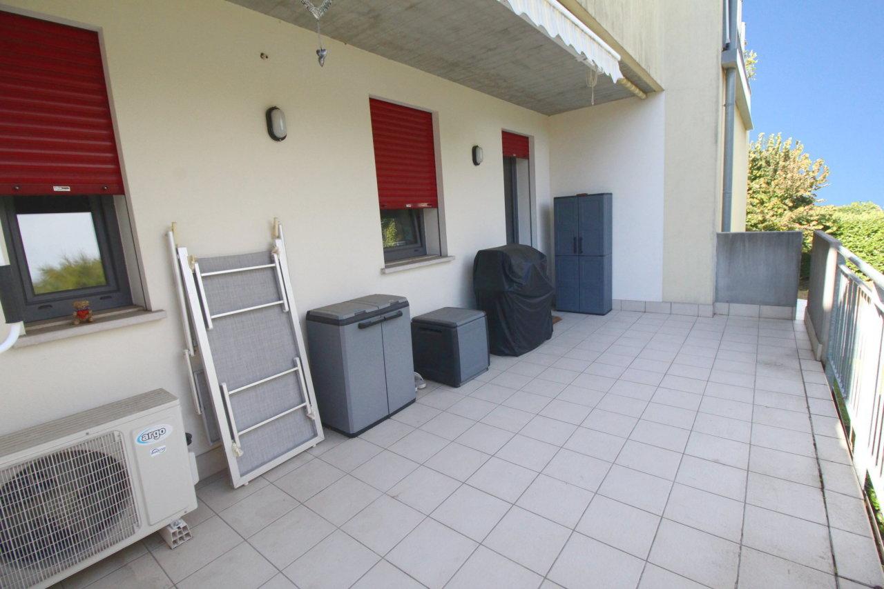Appartamento in ottime condizioni in vendita Rif. 8211930