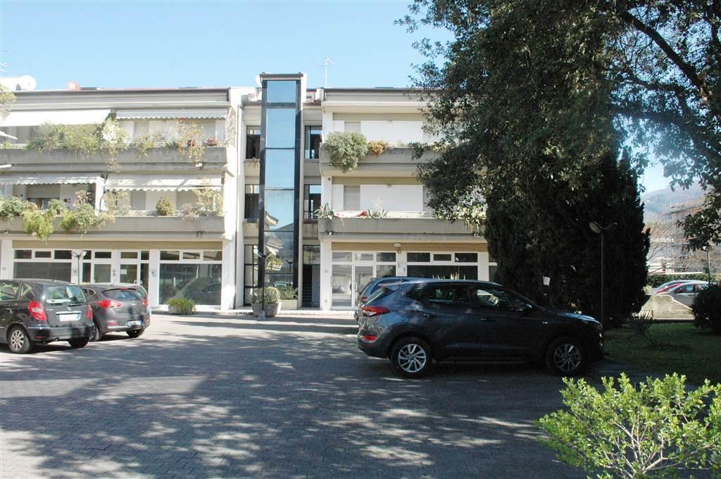 Appartamento - Pentalocale a Marina Di Massa, Massa