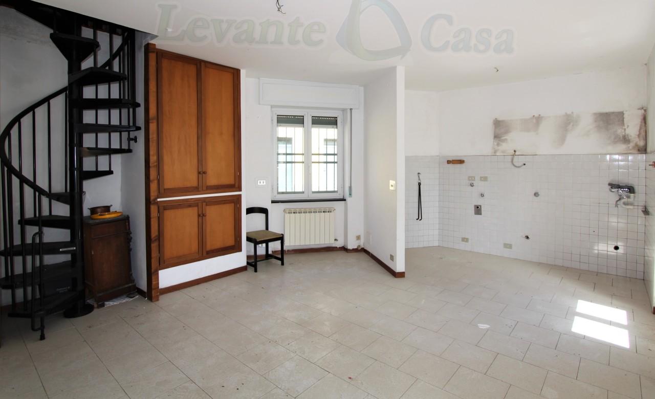 Soluzione Indipendente in vendita a Uscio, 9999 locali, prezzo € 105.000   CambioCasa.it