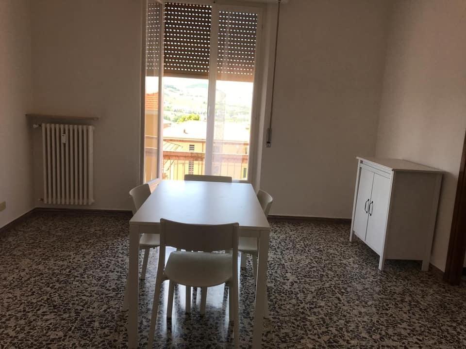 Stanza / posto letto in buone condizioni in affitto Rif. 10519276