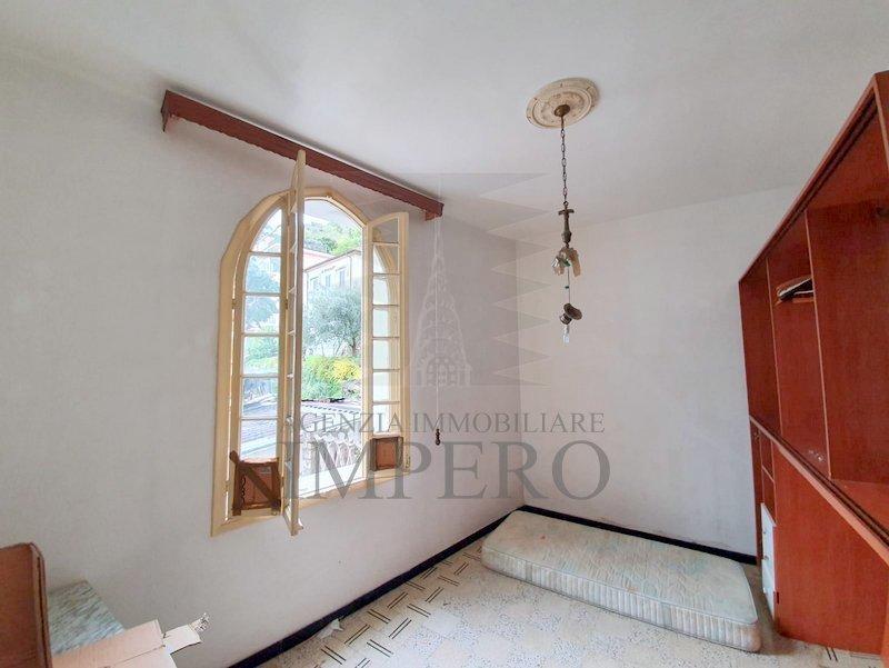 Appartamento in vendita a Ventimiglia, 4 locali, prezzo € 150.000   CambioCasa.it