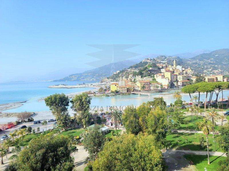 Attico / Mansarda in vendita a Ventimiglia, 4 locali, prezzo € 300.000 | PortaleAgenzieImmobiliari.it